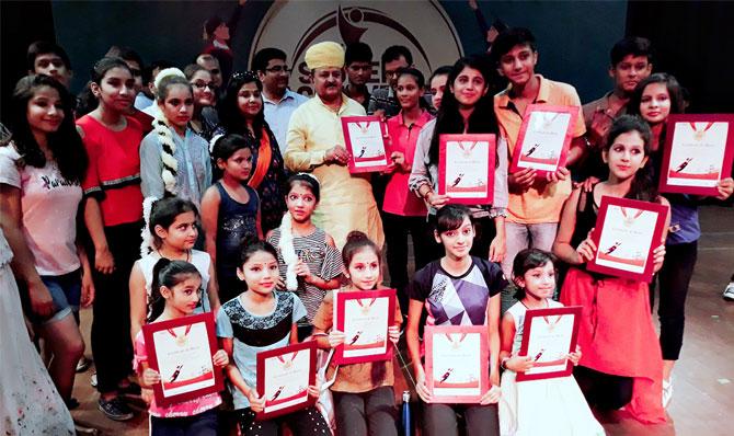 Padharo Mhare Desh was organized depicting Rajasthan's culture.